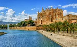 地中海の魅力満載!スペイン・イタリア・フランスの人気寄港地を巡るクルーズ10日間