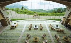 人気添乗員の嶋田亜希子と行く 瀬戸内海ナイトクルーズと京都から北海道を巡る日本列島縦断の旅6日間
