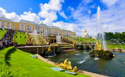 [ビジネスクラス利用] ロシアの帝都サンクトペテルブルク・モスクワに停泊 世界遺産キジ島とロシアの大河・ボルガ河クルーズ12日間